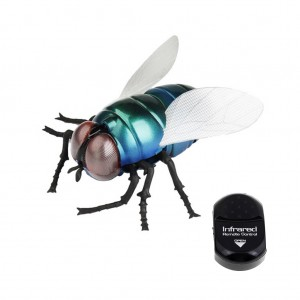Infrared Remote Control RC Walking Simulation Fly Toy with Light